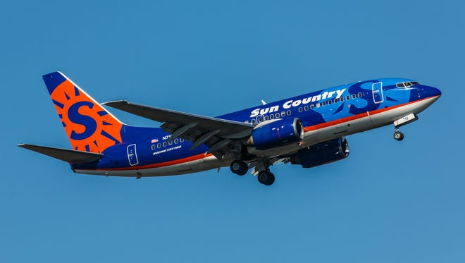 Boeing 737 Sun Country Airlines takes off from JFK Airport.