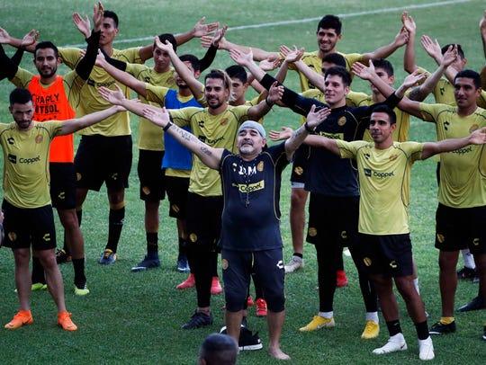 Diego Armando Maradona, D.T. de Dorados.