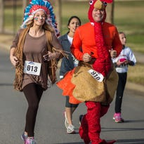 Costumers were plentiful at the 2015 Indian Lake Loop race in Hendersonville, TN on Thanksgiving Day, November 26, 2015