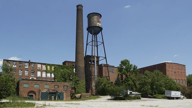 A photo of Mills Mill in June 2003.