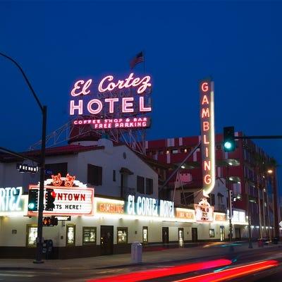 Photo tour las vegas 39 historic el cortez hotel casino for Pool show las vegas 2015