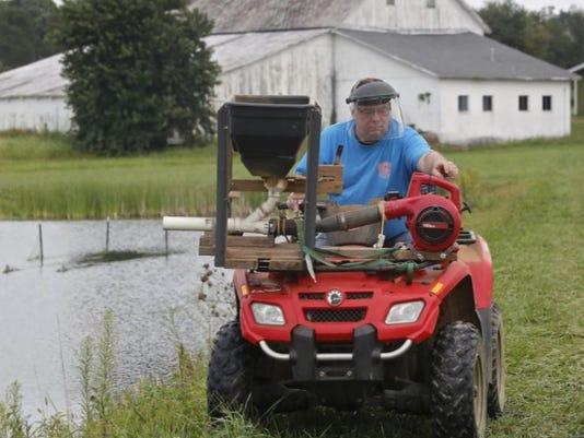 636406941829481826-Ohio-prawn-farmer.JPG