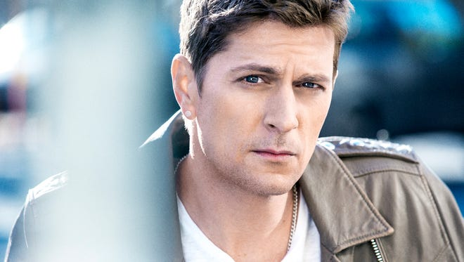Rob Thomas' summer tour will kick off June 11 in Orillia, Ont.