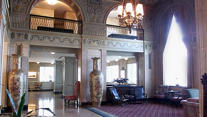 The lobby, located on the second floor of the Brown Hotel in downtown Louisville.