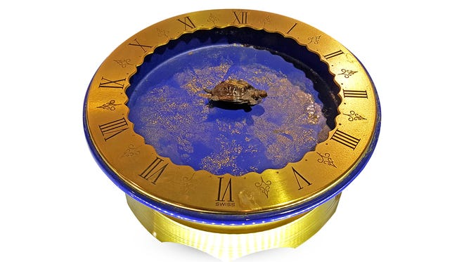This Gübelin Turtle Mystery Clock recently sold at auction for $4,400.