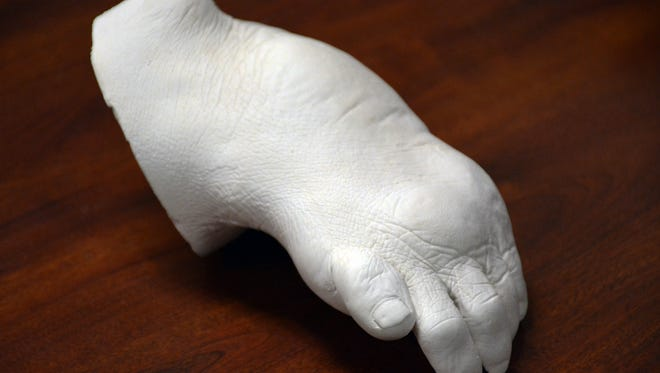The mold of Sonn's foot