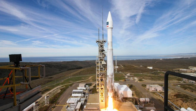 An Atlas V rocket blasts off at 1:30 p.m. EST Friday, Nov. 11, from Vandenberg Air Force Base in California with DigitalGlobe's WorldView-4 commercial imaging satellite.