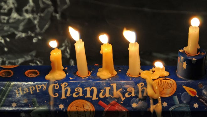 Lincoln Park Jewish Center annual Chanukah party, with entertainment by the Hebrew Institute choir.
