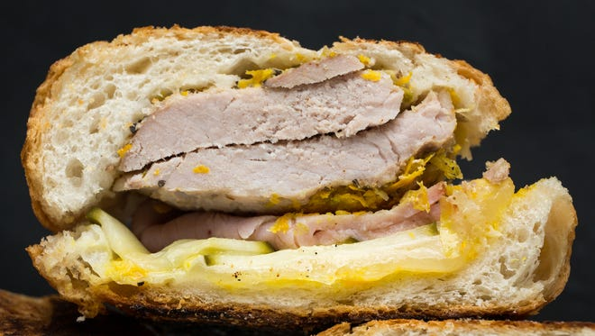 You even can assemble the sandwiches up to a day in advance and then press them to order, whenever you are hungry.