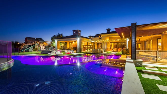 Los Angeles Dodgers outfielder Andre Ethier sold his 9,326-square-foot estate in Gilbert's Metes and Bounds neighborhood.
