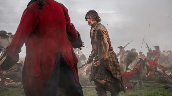 Jamie Fraser (Sam Heughan) fighting in the Battle of