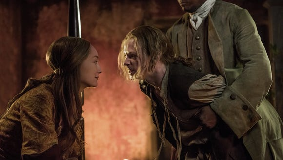 Geillis torments young Ian in the Season 3 finale of