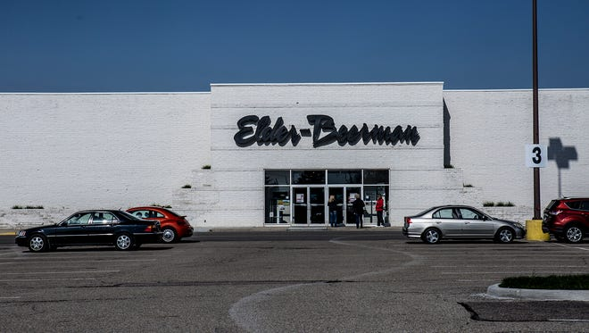 The Elder-Beerman store at Indian Mound Mall is expected to close, following liquidators' winning bid of parent company Bon-Ton Stores in a Tuesday auction.