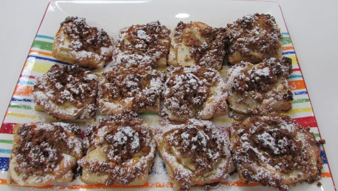 Frangipane apple squares with toasted almond streusel