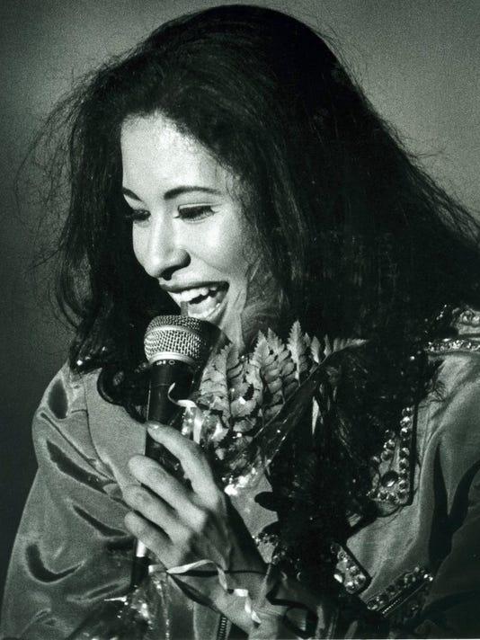 Selena.JPG