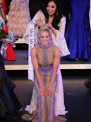 Heather Kendrick, who grew up in Marysville, is crowned Miss Michigan 2017.