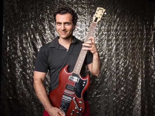 635846755550377147-Dweezil-Zappa---carl-king.jpg