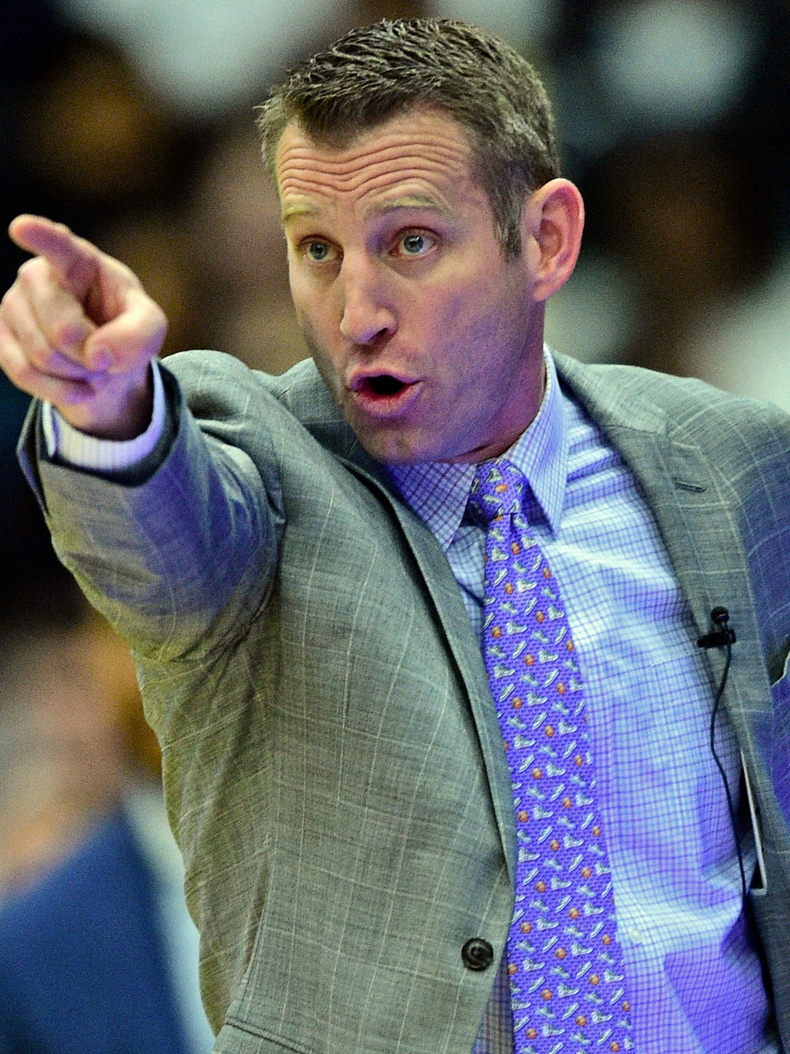 Buffalo head coach Nate Oats points during the first half of an NCAA college basketball game against Kent State, Friday, Jan. 25, 2019, in Kent, Ohio. (AP Photo/David Dermer)