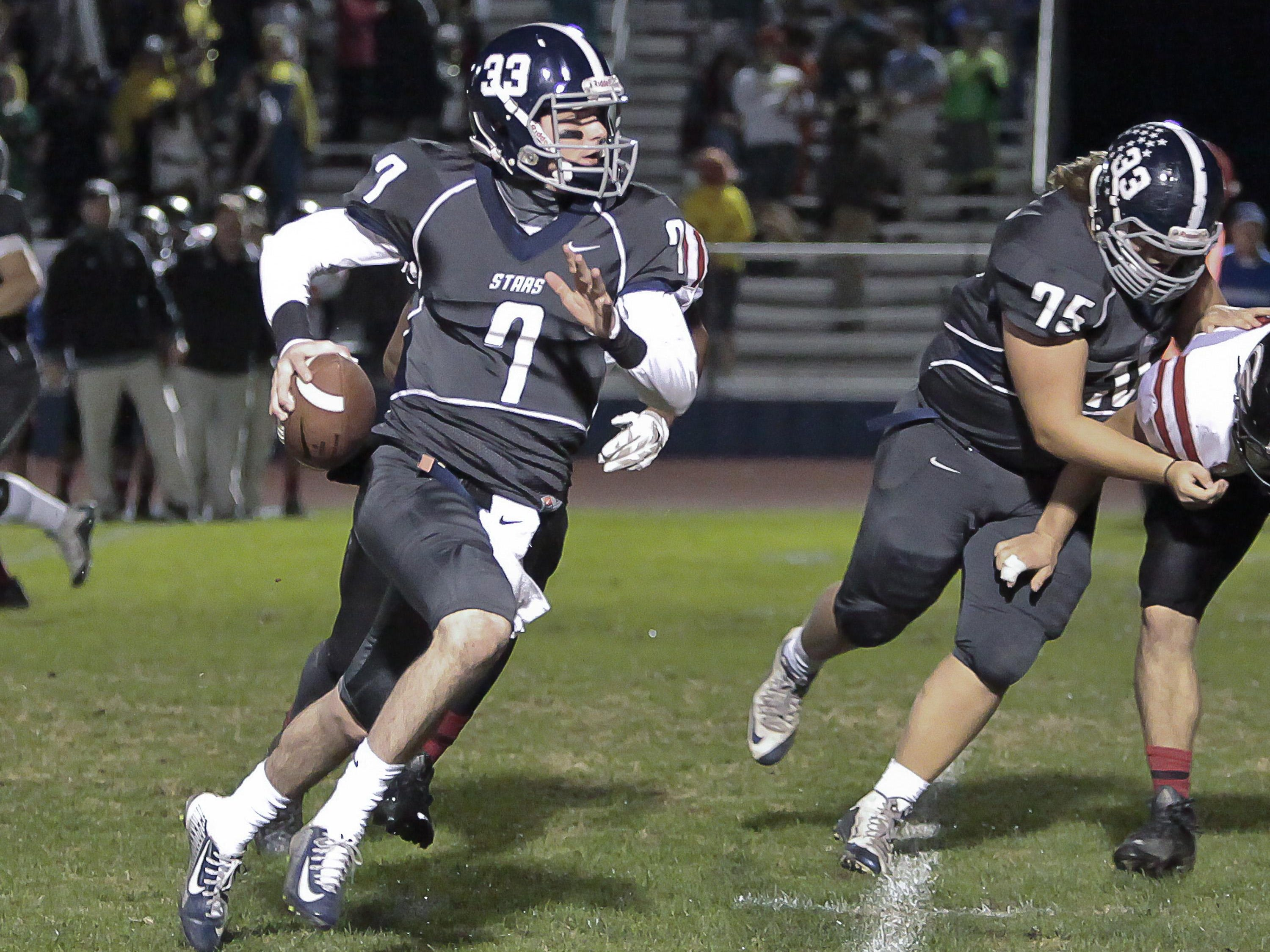 Siegel's Jordan Middleton runs the ball against Coffee County in its 45-26 win.