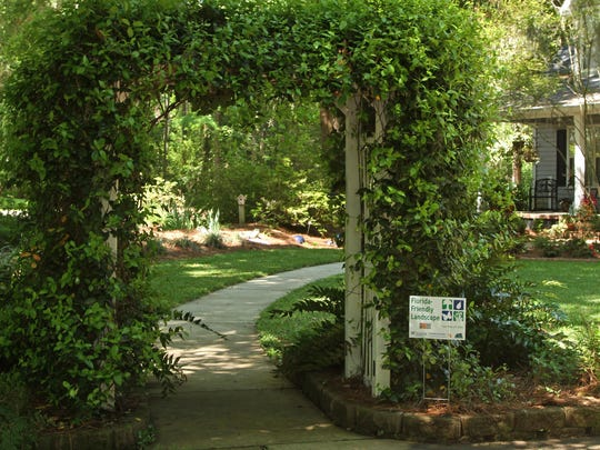 A Florida-Friendly Landscape is on the Friends of Maclay Tour of Gardens.