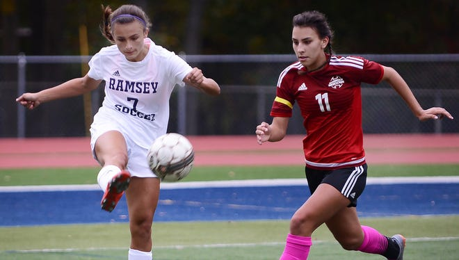 Sarah Kotwica (11) and Glen Rock are atop the NJIC Colonial Division.