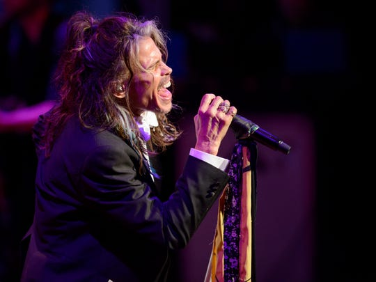 Steven Tyler performs at the 33rd annual Symphony Ball