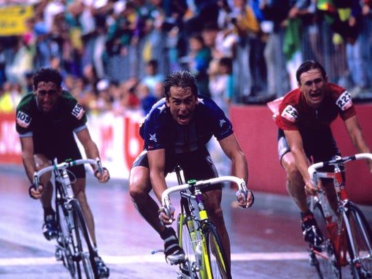 Greg LeMond wins a world championship in 1989.