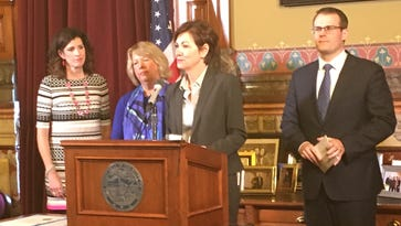 Gov. Reynolds moves to create Iowa children's mental health system