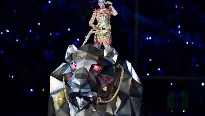 Feb 1, 2015; Glendale, AZ, USA; Recording artist Katy Perry performs during halftime of the game between the Seattle Seahawks and the New England Patriots in Super Bowl XLIX at University of Phoenix Stadium. Mandatory Credit: Joe Camporeale-USA TODAY Sports