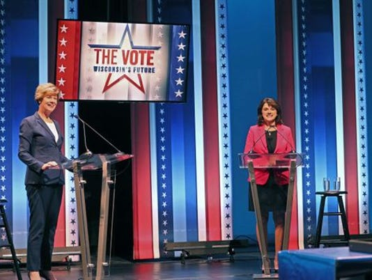 636746824121893379-Tammy-Baldwin-Leah-Vukmir-first-debate.jpg
