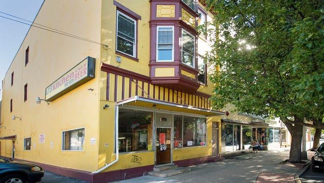 Li's Kitchen in the 200 block of West Market Street Tuesday.
