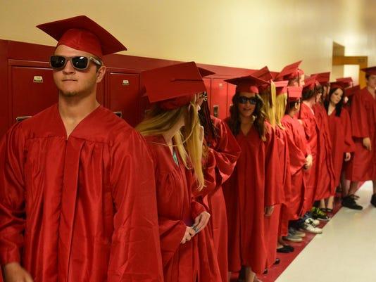 -191521_paris gibson graduation-l.jpg_20150609.jpg