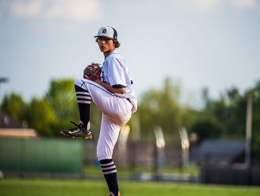 636120853032563806-HES-SD-051716-baseball-champ-12.jpg