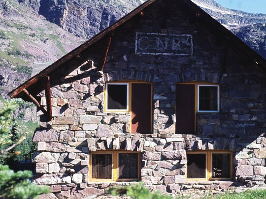 Sperry Chalet was 6.4 miles from Lake McDonald Lodge along the trail to Gunsight Pass.  -  -GFT, 28.08.1998:1M _ Sperry Chalet is 6.4 miles from Lake McDonald Lodge along the trail to Gunsight Pass on the west side of Glacier National Park.