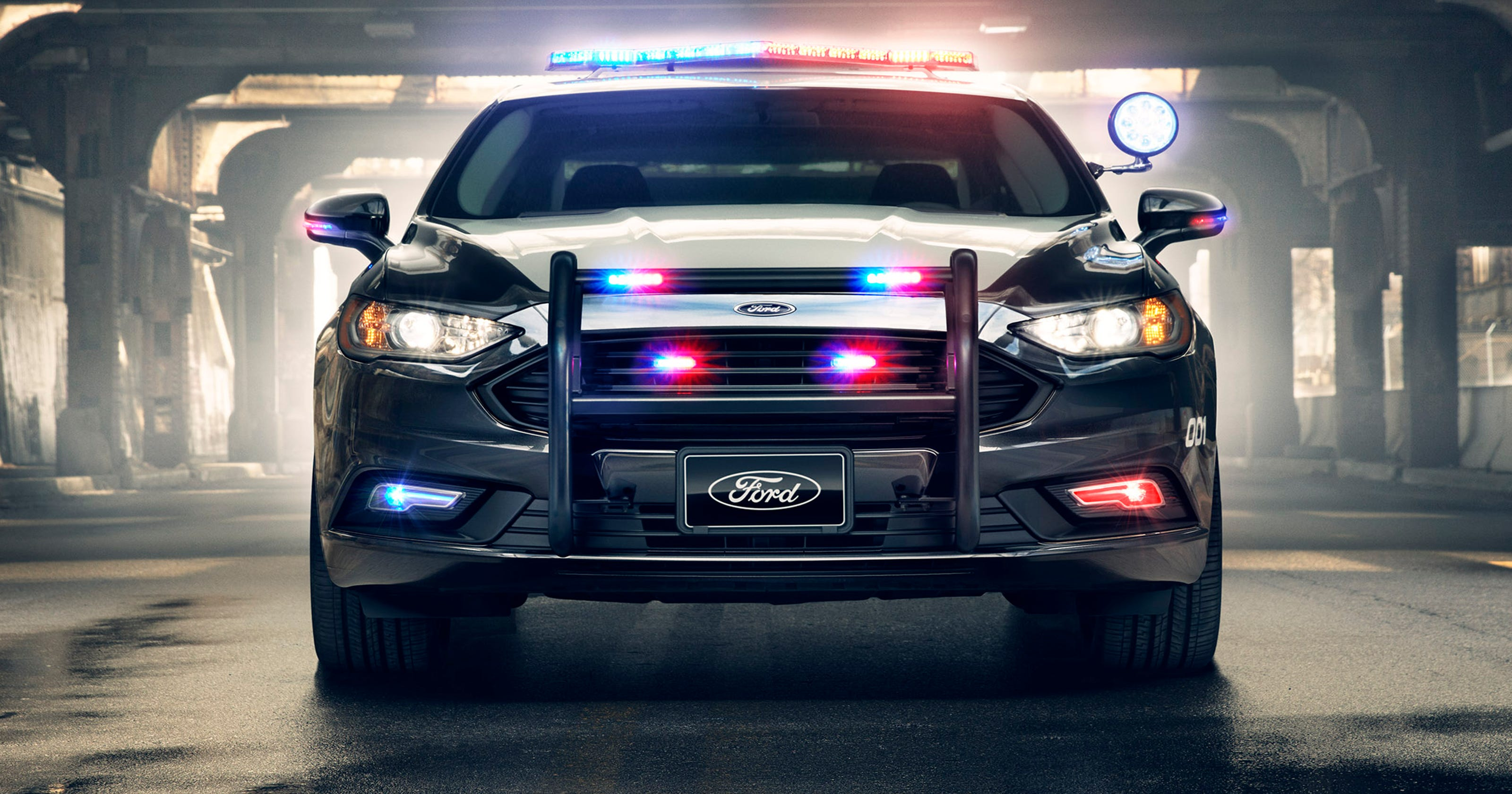 Ford Unveils First Pursuit Rated Hybrid Police Car For High Sd Chases
