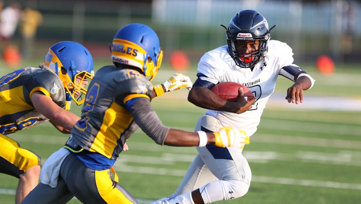Eastridge's Bobby Albritton rushes the ball during