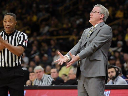 636505200893957386-180102-06-Iowa-vs-Michigan-mens-basketball-ds.jpg