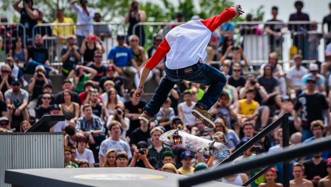 Red Bull brought their brand new skateboarding competition Hart Lines to Hart Plaza last year.