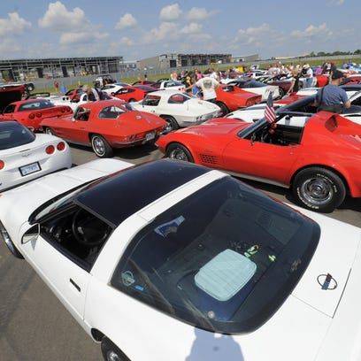Pre-Dream Cruise Corvettes event leaves M1 Concourse