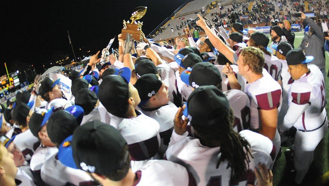 Alcoa celebrates its 45-12 win over Liberty Tech in the Class 3A championship game at Tennessee Tech in Cookeville on Dec. 2, 2016.