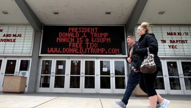 The Municipal Auditorium marquee announces President Donald Trump's Wednesday visit.