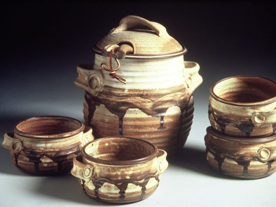 An example of Gina Anderson's pottery works.