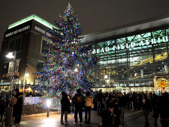 This year's Lambeau Field Christmas tree will be unveiled