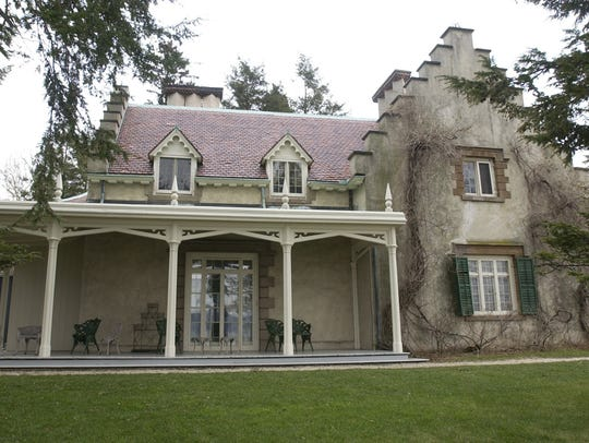 Sunnyside in Tarrytown, New York, is Washington Irving's home.