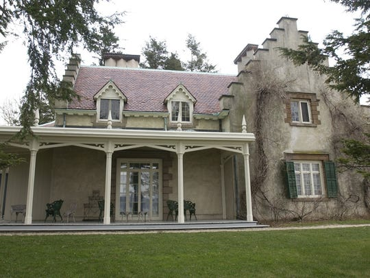 Sunnyside in Tarrytown, New York, is Washington Irving's home.