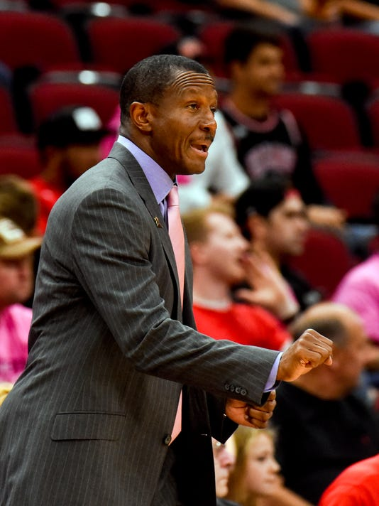 Toronto Raptors head coach Dwane Casey directs the team during the first half of an NBA preseason basketball game against the Chicago Bulls Friday, Oct. 13, 2017, in Chicago. (AP Photo/Matt Marton)