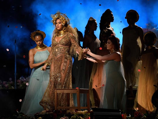 Beyonce stunned viewers with her dual performance of