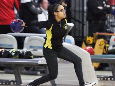 Demetria Bethel returns to help lead a Piscataway team that advanced to the GMC Team finals for the first time and averaged 212.