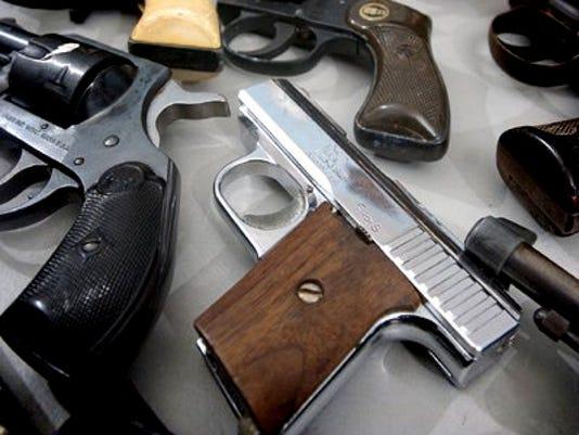 636109251504893616-Guns.jpg