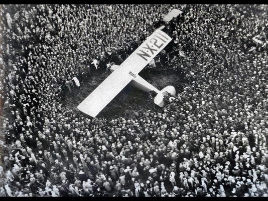 Lindbergh=Spirit_of_St._Louis_at_Croydon_Aerodome_London_May_29_1927[1]